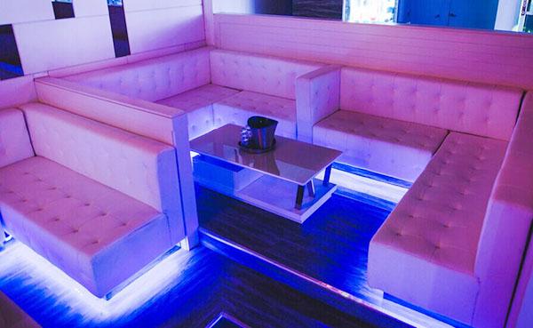 Sofa Karaoke 002